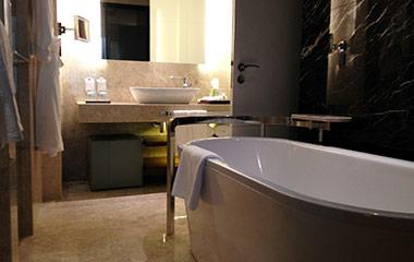 salle-de-bain-baignoire-renovation-rhone